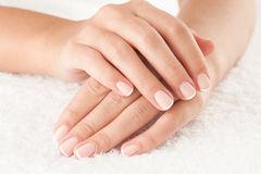 handen-op-handdoek-42573785
